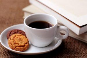 おやつとコーヒーの画像